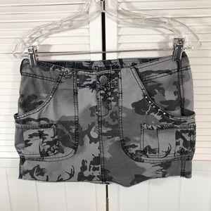 Sz 3 Jr. skirt by Decree.
